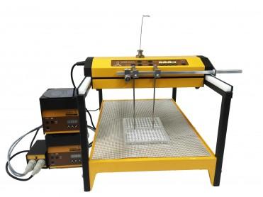 El colector de fracciones y muestreador OMNICOLL distribuye las muestras en las microplacas de 96 pozos a partir de un fermentador